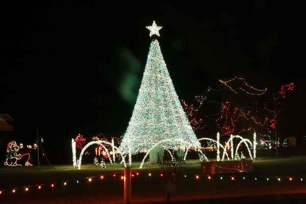 Yukon Ok Christmas Lights.How Christmas Lights Get Done In Texas