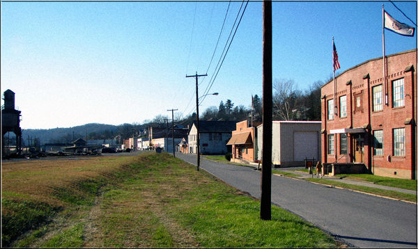 Looking at downtown Ronceverte, WV from the East.....