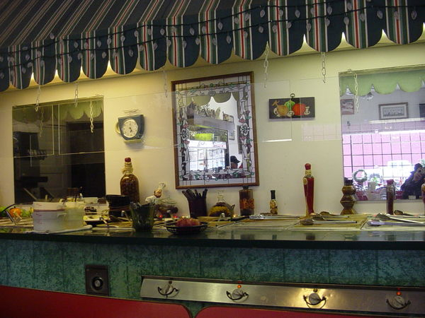 RUDY'S RESTURANT - BUFFET BAR...