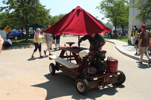 Motorized Picnic Table - Motorized picnic table