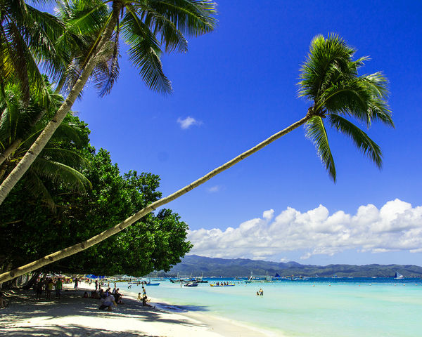 descriptive essay about boracay beach Free descriptive essay on the beach papers, essays, and research papers.