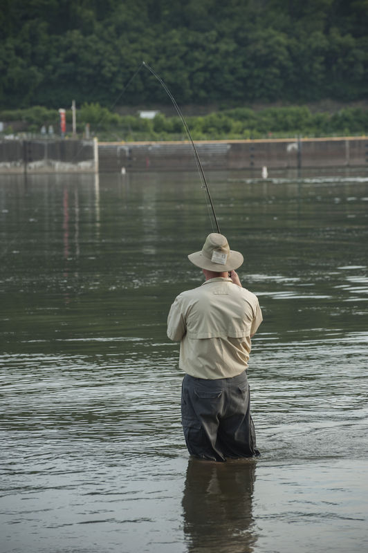 Fishing on the allegheny river near pittsburgh for Fishing in pittsburgh
