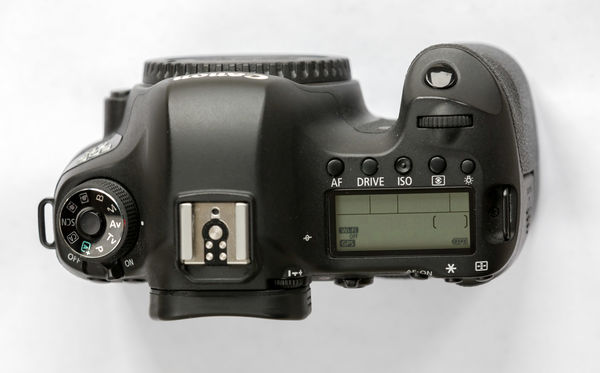 For sale canon 6d wg body accessories price reduced for Canon 5dm4