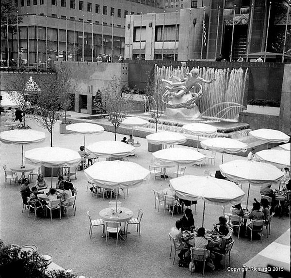A few views of new york 39 s streets 1970s for Dining at at t center