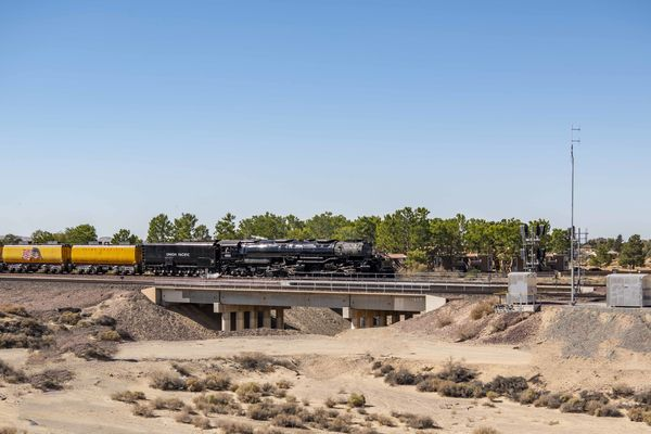 Big Boy Approaches Barstow Yard...