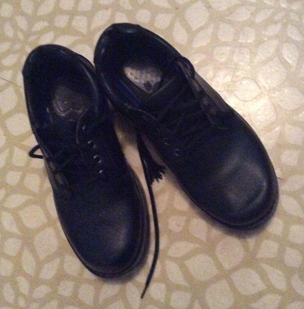 blackshoes...