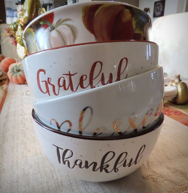 The 3 serving bowls on the bottom which I love wer...