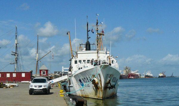 NOAAS Oregon II (R 332) is an American fisheries r...