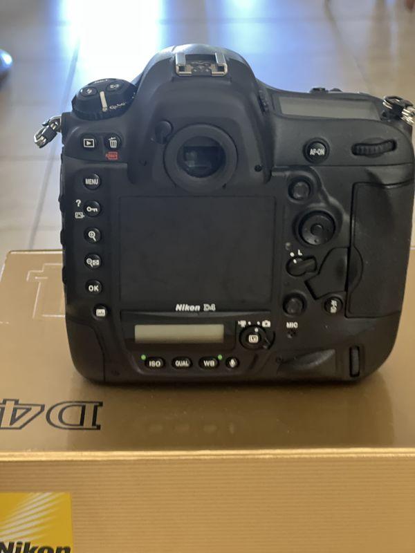 Nikon D4 back...