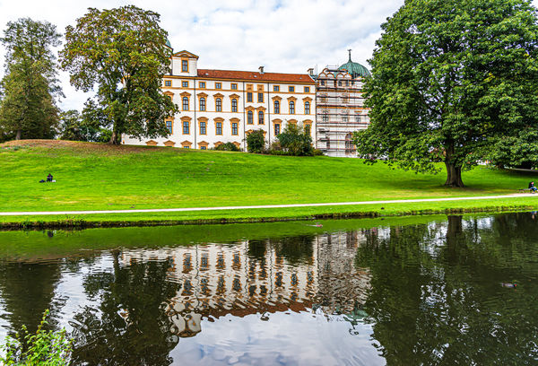 6 - Schlosspark with lake and the southern facade ...
