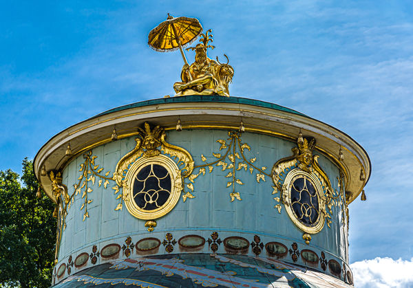 4 - Detail of the decoration on the top of the Chi...