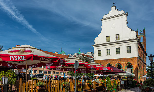 4 - Rynek Sienny / Hay Market Square with outdoors...