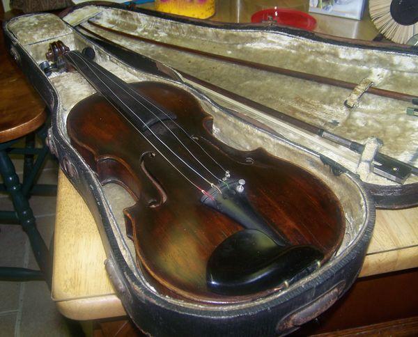 My dad's antique 1700's violin-Grand Bridget is no...