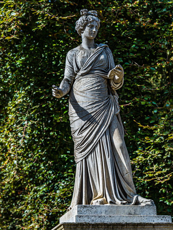 4 - Detail of the statue of Clio (muse of history)...
