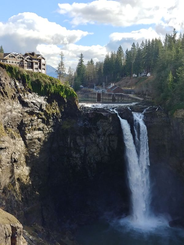 Another Snoqualmie Falls photo....